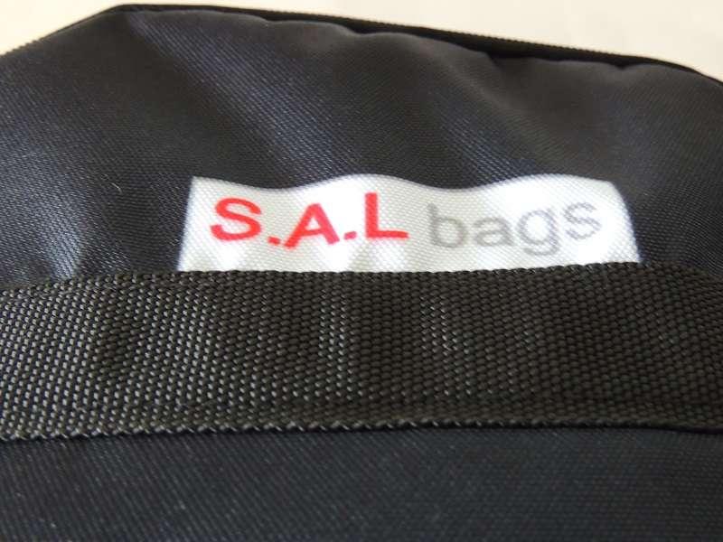 Из какого материала изготавливается сумка?